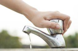 Colégios de SP mudam hábitos para preservar água