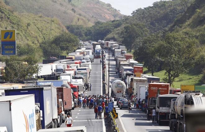 Industria de alimentos tem prejuizo com a greve dos caminhoneiros