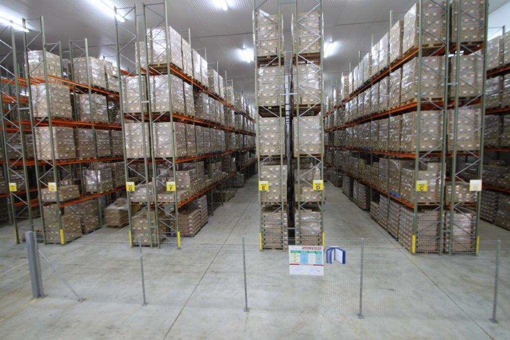 Cuidados no armazenamento de alimentos da industria