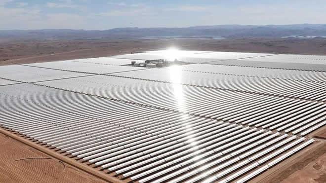 A megausina de energia solar encravada no deserto que pretende abastecer a europa - Enorme terras ...